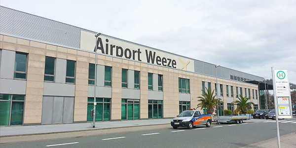 Weeze airport parking